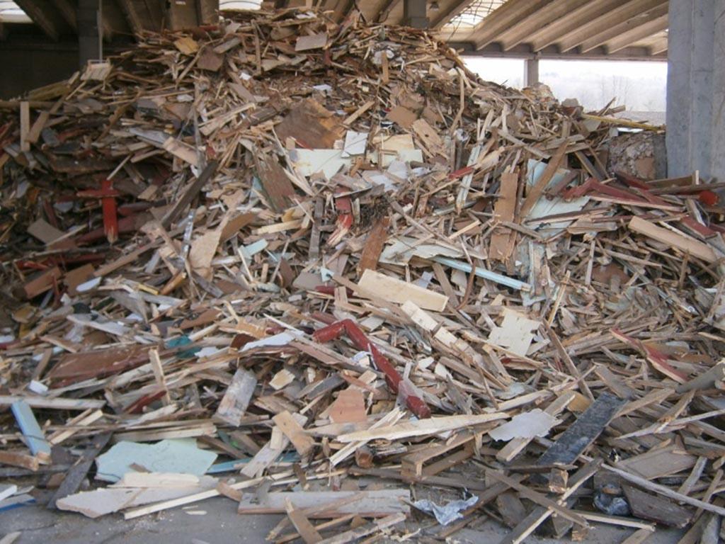 smaltimento e riciclaggio di legno Belluno